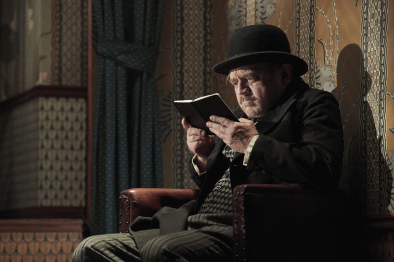 Podivuhodný případ pana Holmese #8